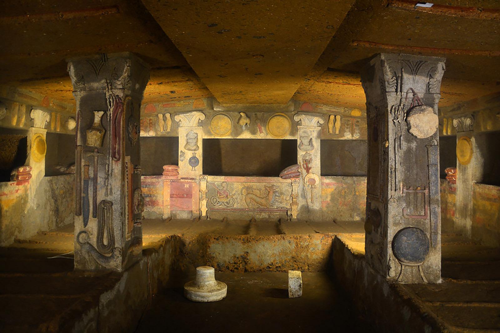 Tarquinia, interno tomba Etrusca