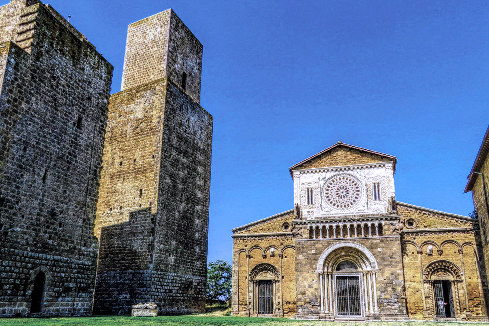 Tuscania, Basilica di San Pietro